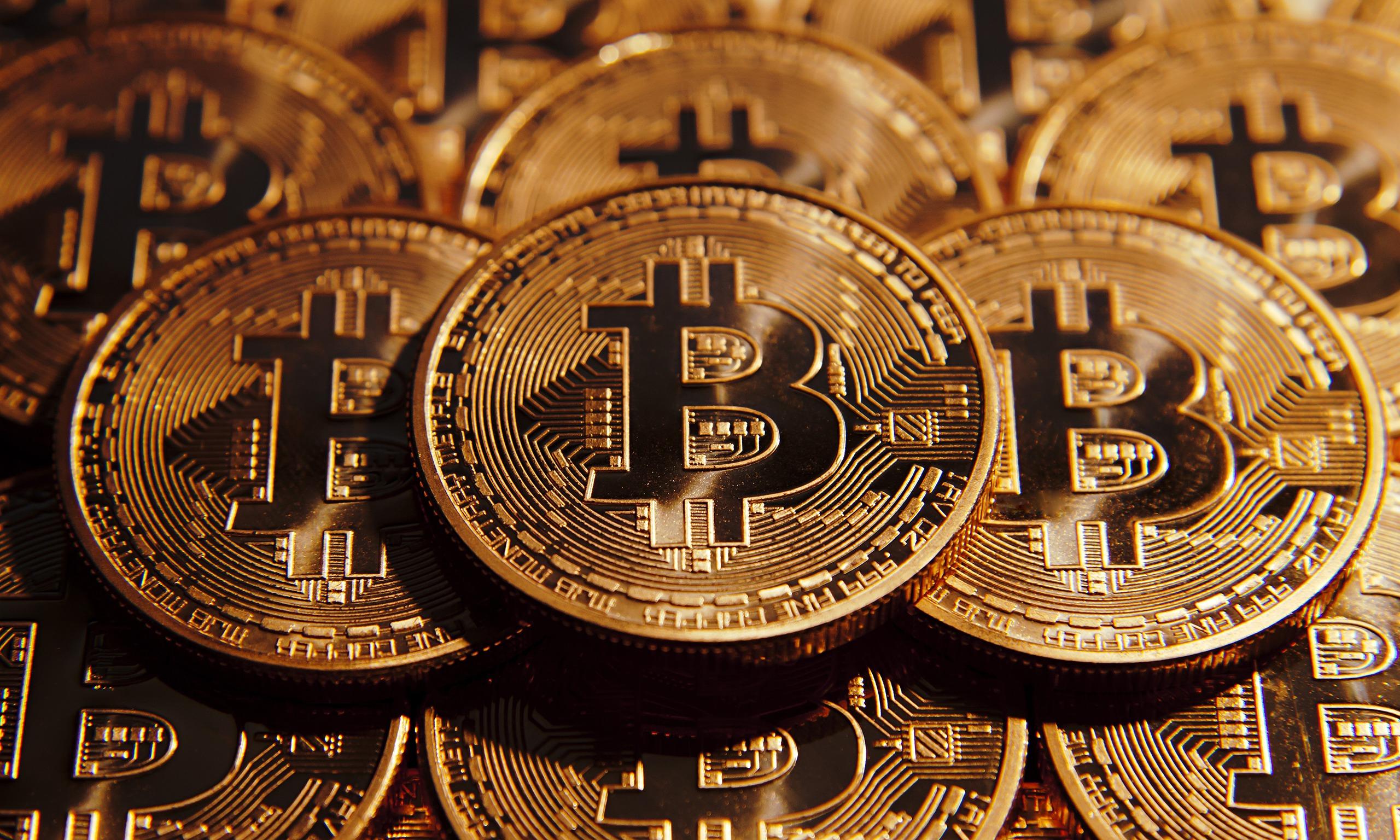Bitcoin secara asal boleh digunakan asal bersih dari unsur penipuan. Hanya saja pemerintah di negara kita melalui Bank Indonesia melarang penggunaa ....