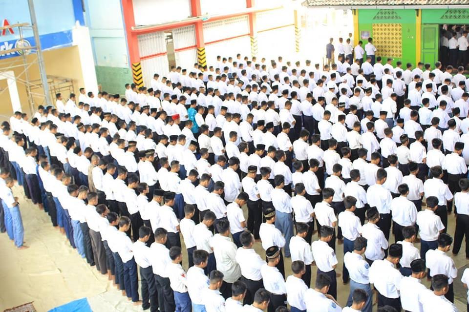 Tips Murid Sekolah Negeri Agar Bisa Sholat Jamaah - bimbinganislam.com