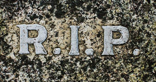 Apakah Benar Shalatnya Aisyah Menghadap Kuburan Nabi?