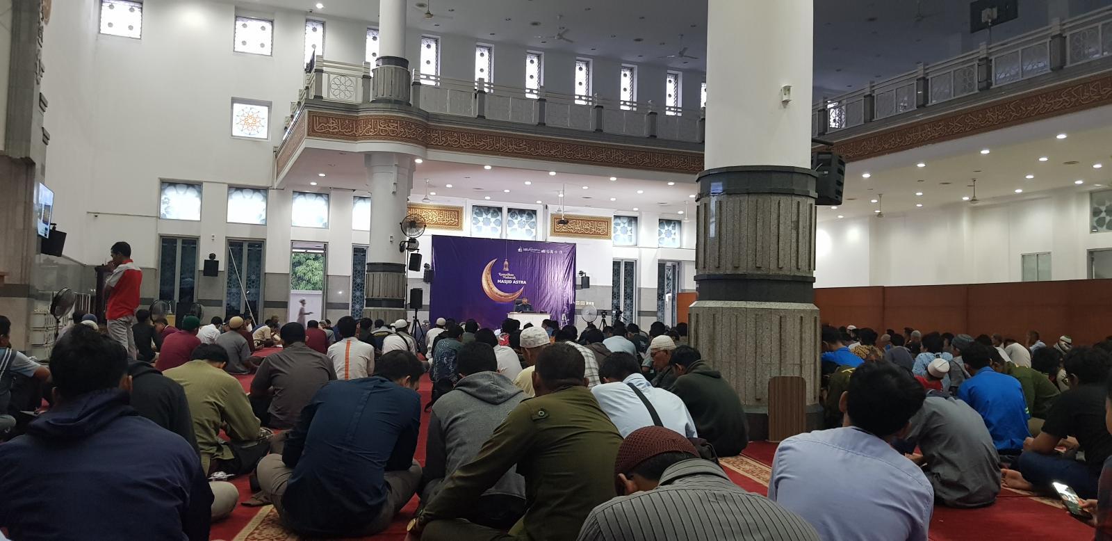 Mengakhirkan Waktu Sholat Karena Kajian dan Kuliah bimbingan islam