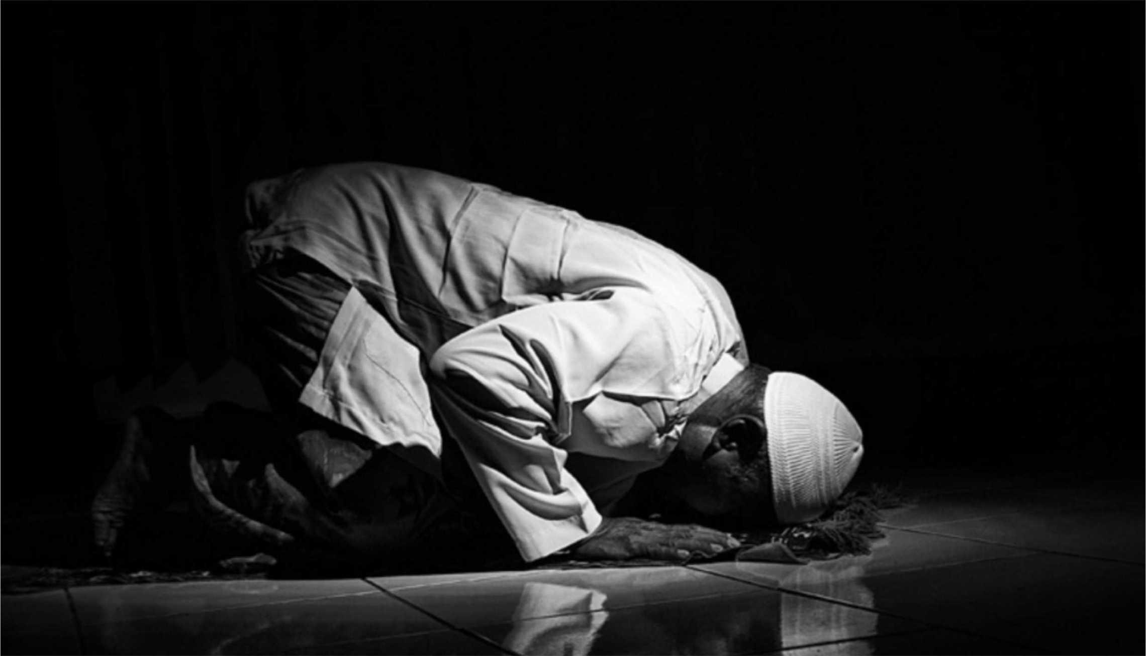 Mengeraskan Bacaan Al-Qur'an Saat Sholat Tahajud bimbingan islam cara sholat tahajud