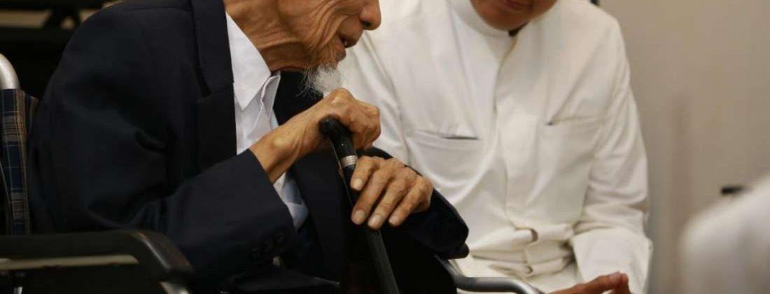 Anak Sholeh Harus Baca, Inilah Cara Mengangkat Derajat Orang Tua di Surga bimbingan islam