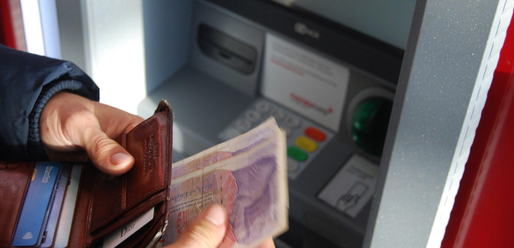 Bekerja Di BUMN, Apa Boleh Menerima Uang Bonus Dari Vendor bimbingan islam