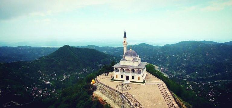 Hukum Membangun Masjid Dengan Uang Bank