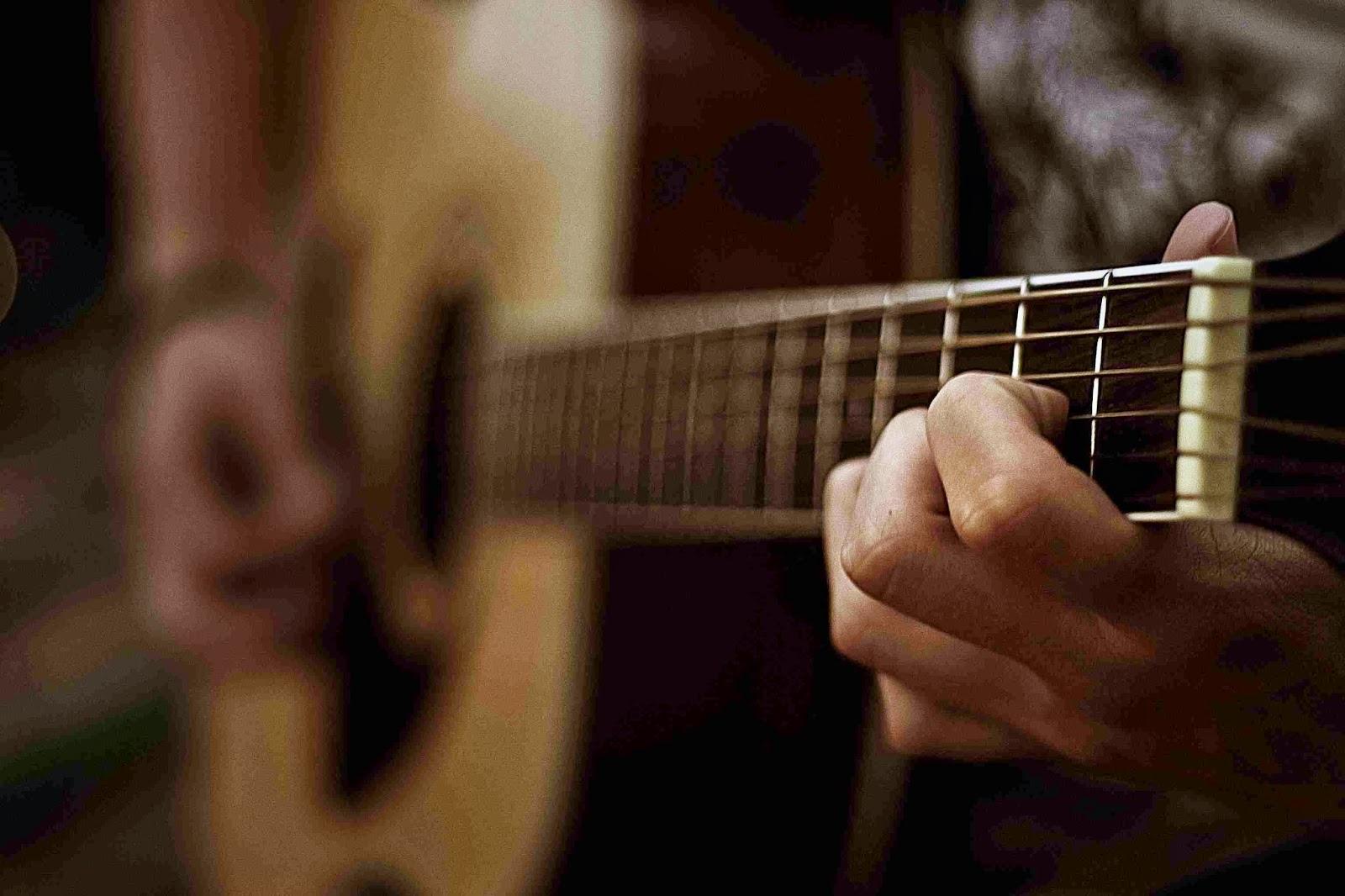 Pendapat Ulama Besar Madzhab Syafi'i Tentang Musik bimbingan islam