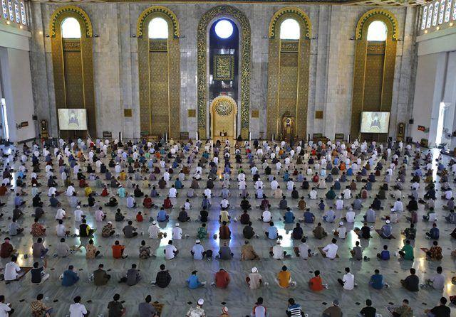 RUKUN KHUTBAH SHOLAT JUMAT, DOA, DAN TATA CARANYA bimbingan islam