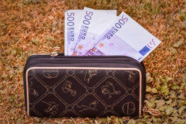 Pernyataan Uang Suami Adalah Uang Istri Atau Uang Istri Adalah Milik Suami Apakah Benar bimbingan islam