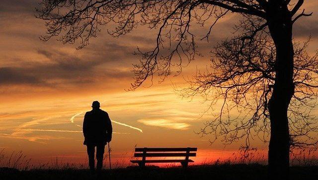 4 Adab Kepada Orang tua, Semasa Hidupnya dan Sepeninggalnya bimbingan islam