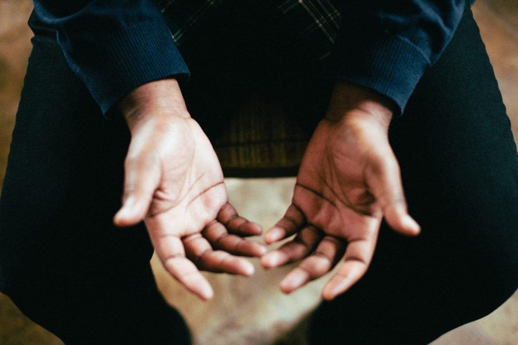 Apa Hukum Doa Dengan Mengangkat Tangan Setelah Sholat bimbingan islam