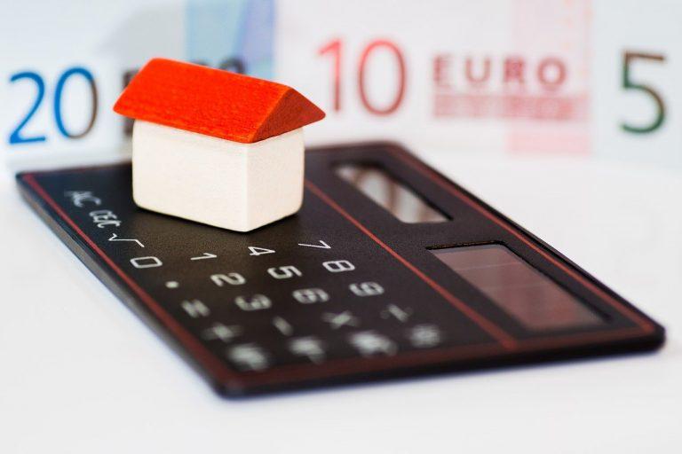 Hukum Menjadi Perantara Fasilitas Kredit atau KPR Riba