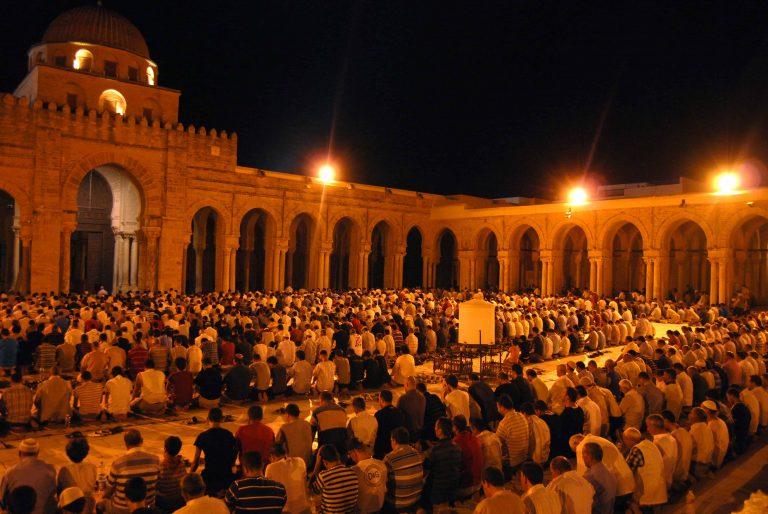 Hadits-Hadits Tentang Sholat Lima Waktu : Sholat, Puasa, Zakat, Bagian Islam Terpenting Setelah Syahadat